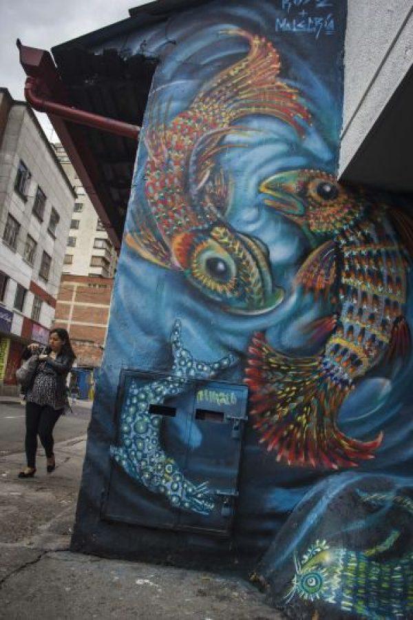 No todos los grafitis de la ciudad son realmente hermosos. Algunas vías, como la carrera 13 a la altura de Chapinero, tienen problemas por diversos rayones que personas comunes han hecho sobre fachadas y puertas metálicas de los locales. La Alcaldía de Chapinero tiene una iniciativa para mejorarlas a mediano plazo. Foto:Carlos Bernate
