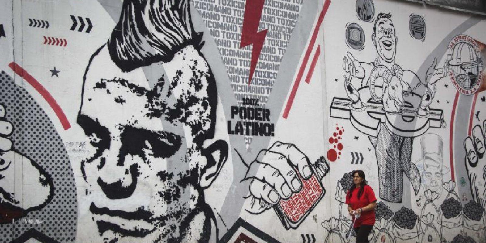 Stencil Punk diseñó este grafiti. Como él, muchos de los murales de Bogotá tienen un fuerte mensaje social, político, de crítica. Buscan hacer reflexionar al ciudadano común. Foto:Carlos Bernate