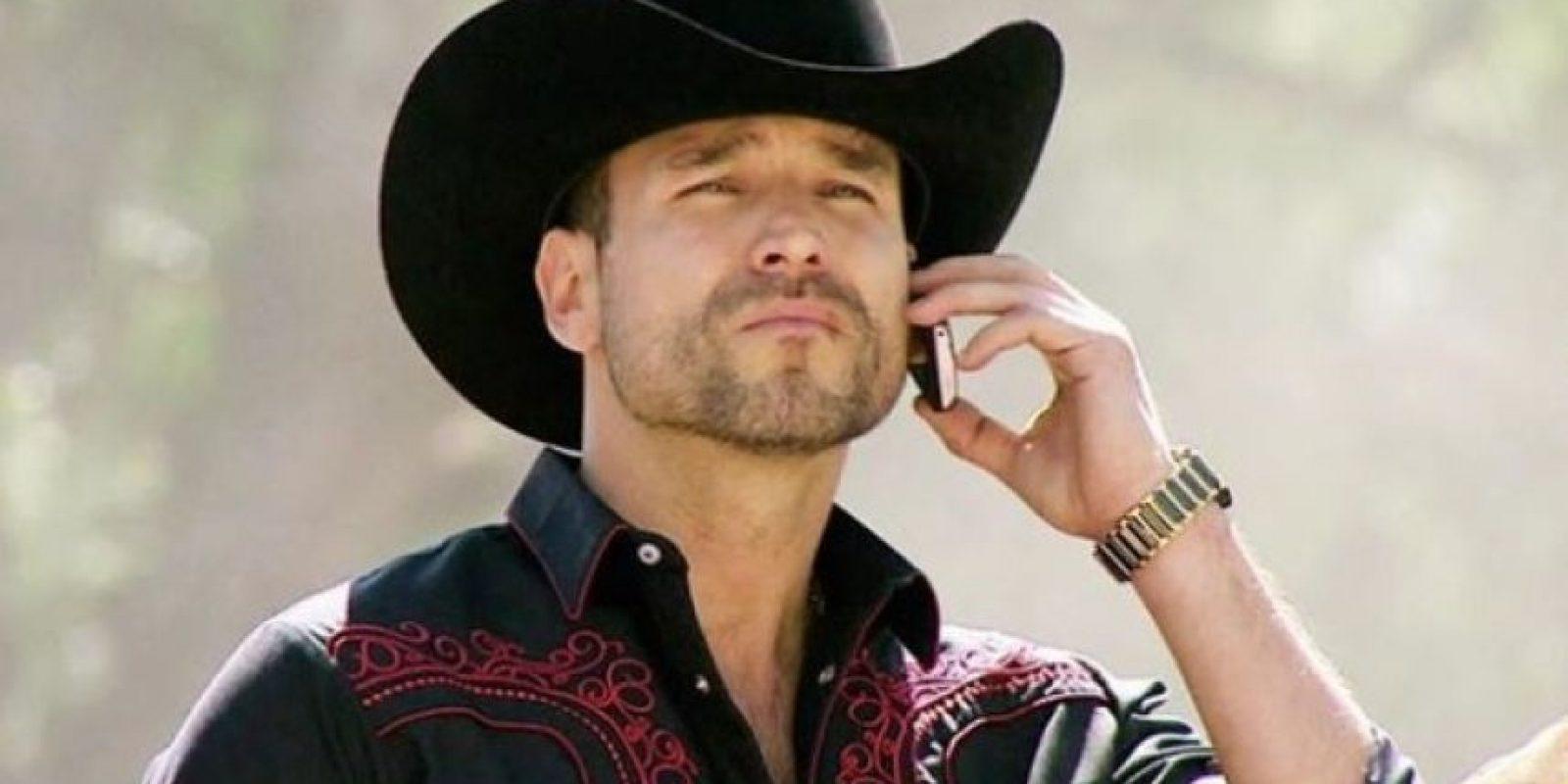 """El protagonista de la historia es Rafael Amaya, quien interpreta a """"Aurelio Casillas"""". Foto:Telemundo"""