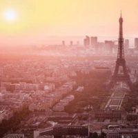 David Beckham: Así como el sol sale en esta bella ciudad, recordamos a la gente que murió y a las familias que perdieron a sus seres amados. Nuestros pensamientos están con todos ustedes. Foto:Vía facebook.com/Beckham