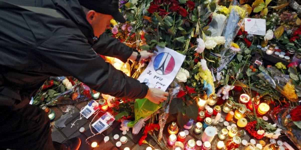 Uno de los terroristas de París fingió ser refugiado