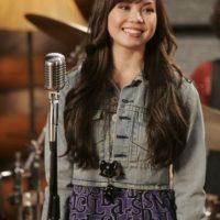 """Interpretó a """"Ella"""", la mejor amiga de """"Tess"""" Foto:Disney"""