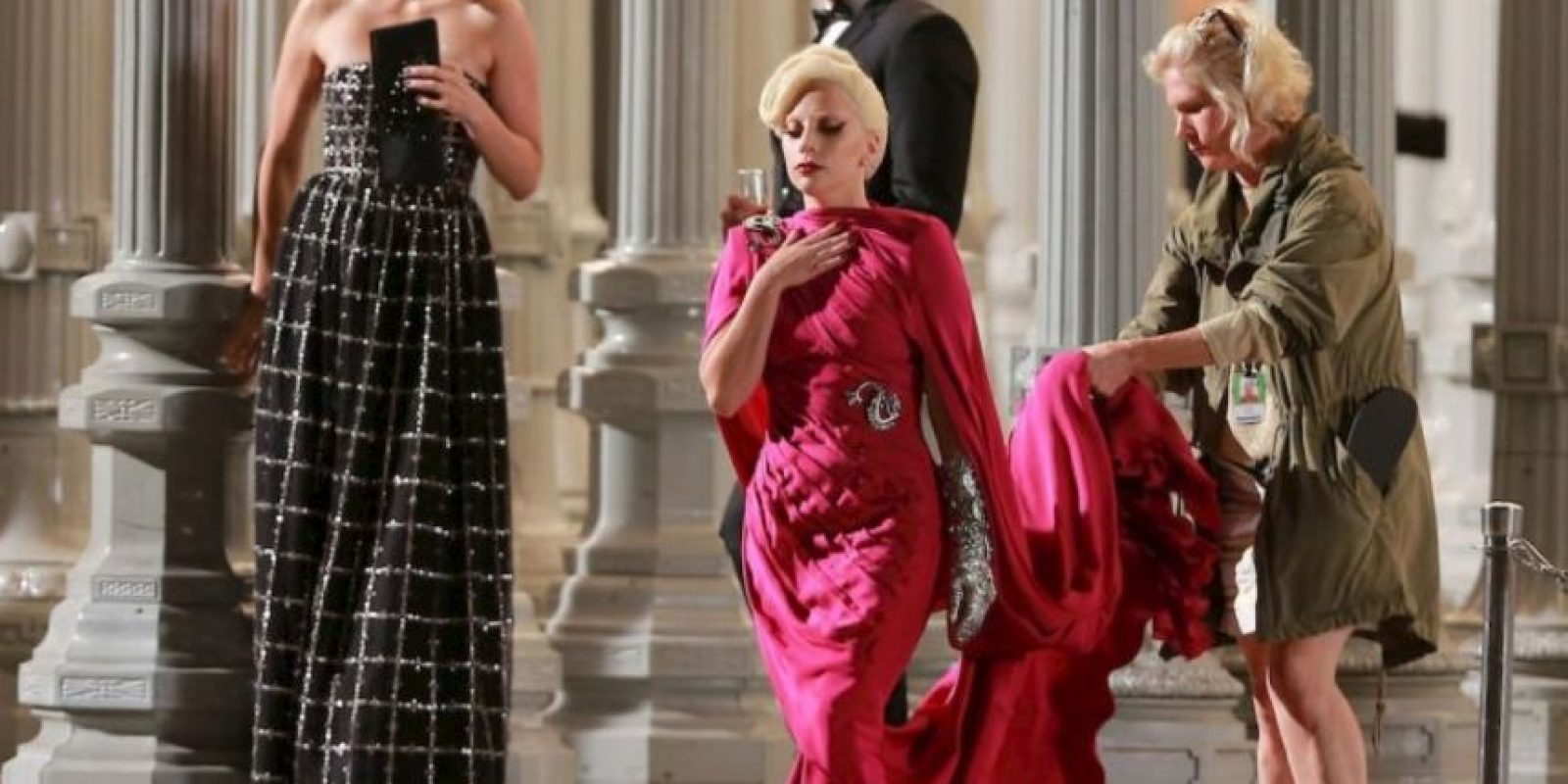 Aunque, también ha sorprendido con sus elegantes vestuarios Foto:The Grosby Group