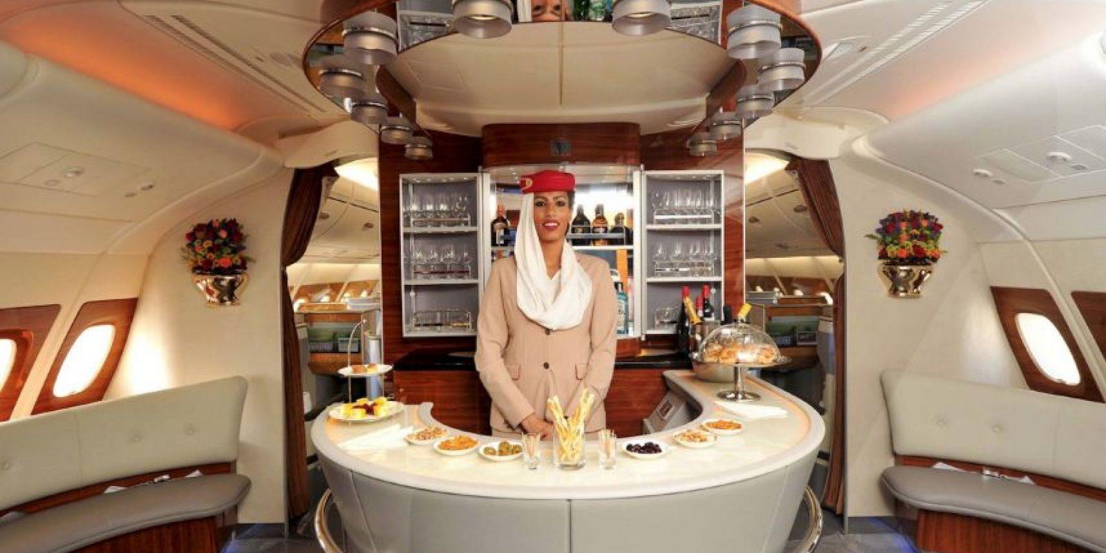 La aeronave comenzará a dar servicio en diciembre Foto:Vía facebook.com/Emirates