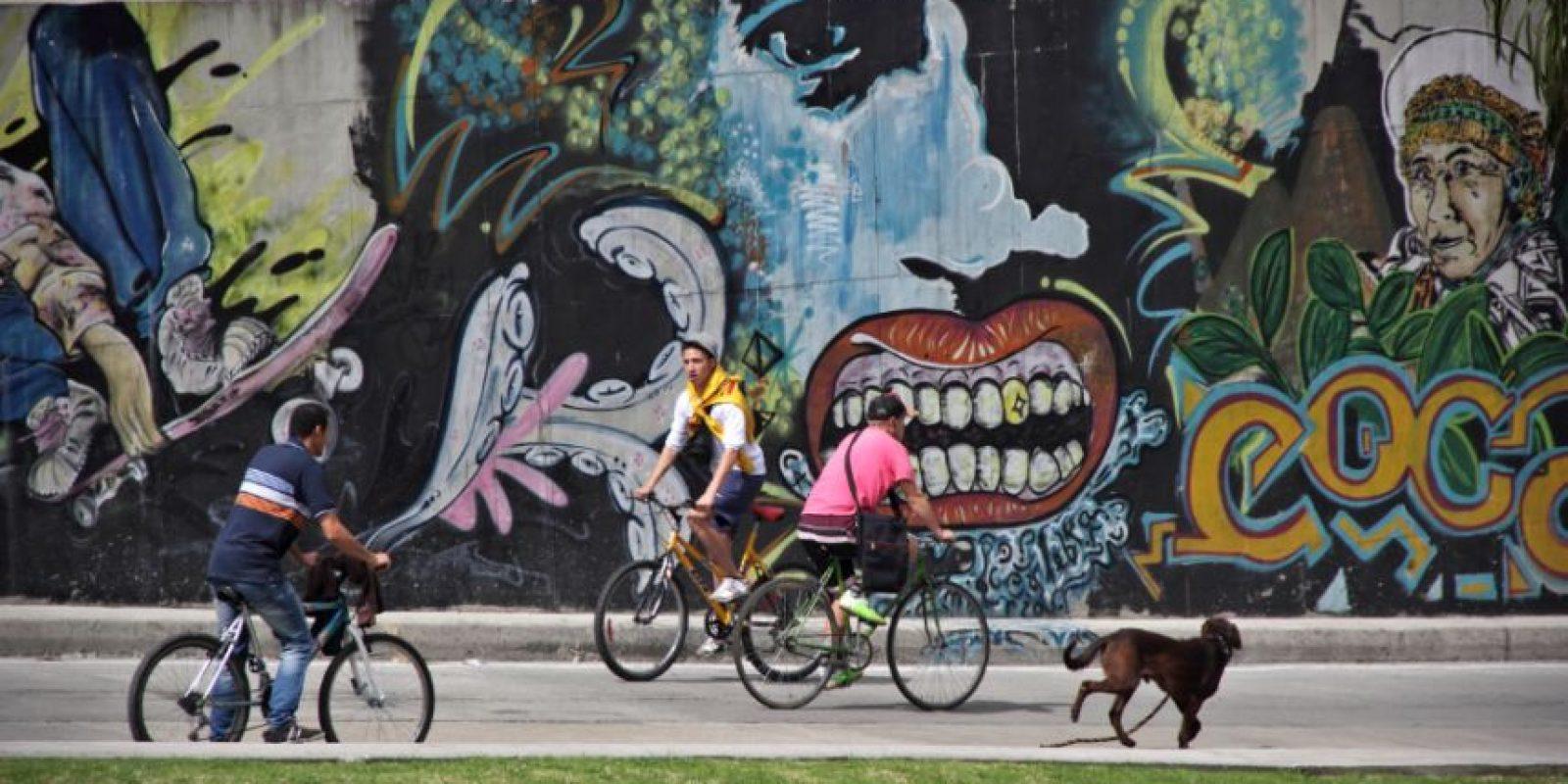 """""""Me encanta correr mientras mi amo anda en la bici"""" Foto:Carlos Bernate"""