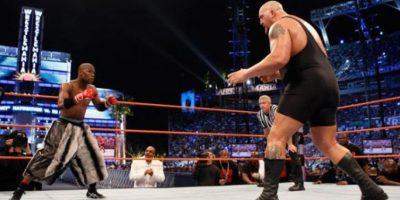 """La victoria fue para """"Money"""" que se retiró invicto en el box e invicto en la WWE. Foto:WWE"""