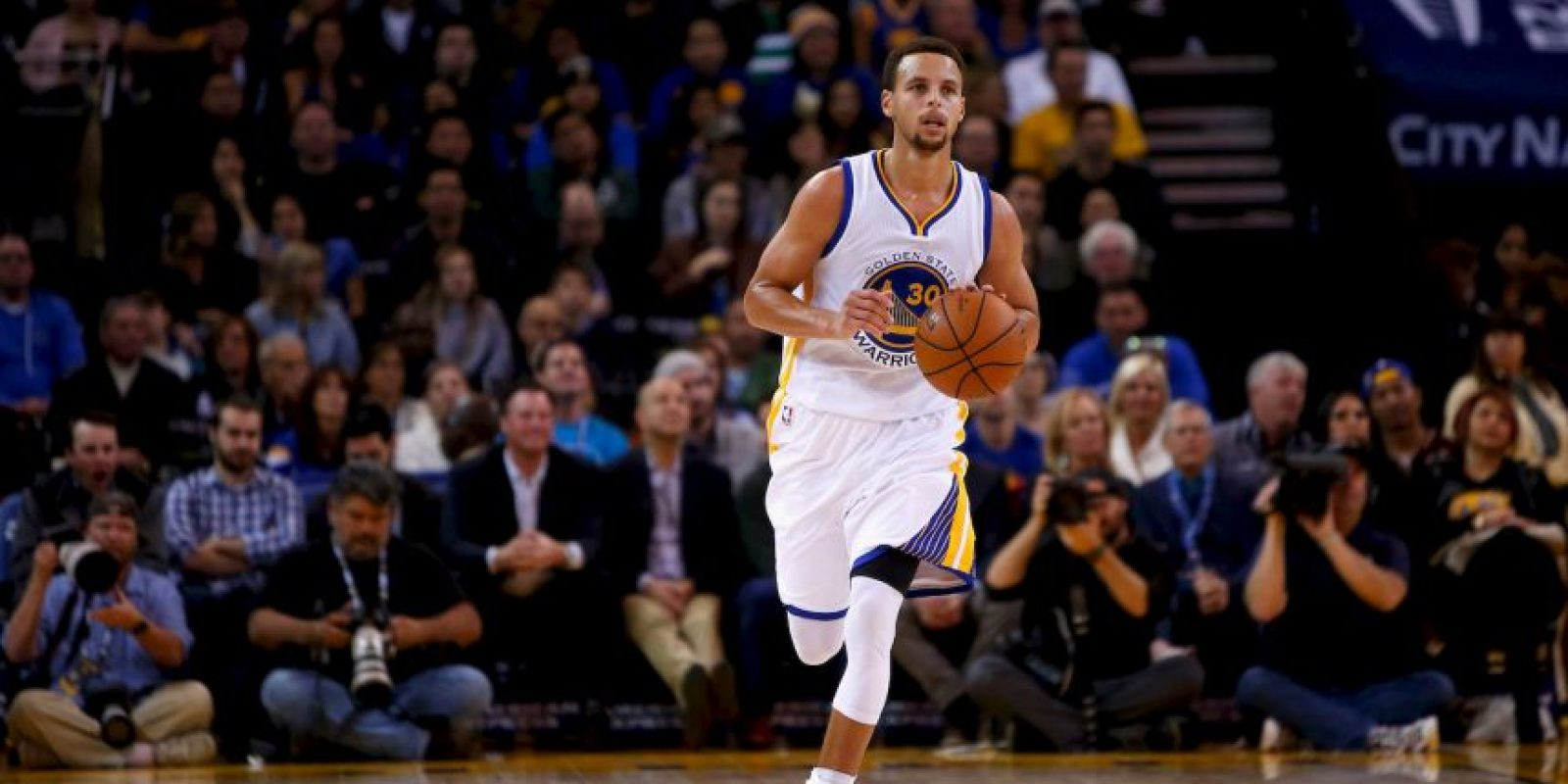 Mantiene invicto de Golden State Foto: Getty Images