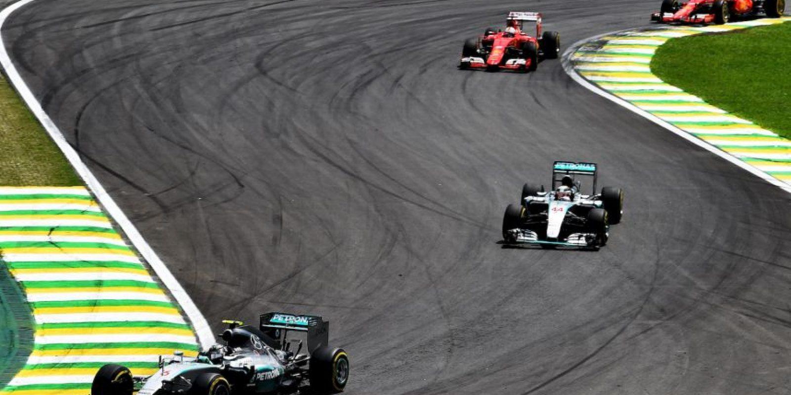 Lewis Hamilton, Nico Rosberg y Sebastian Vettel subieron al podio en el GP de Brasil Foto:Getty Images