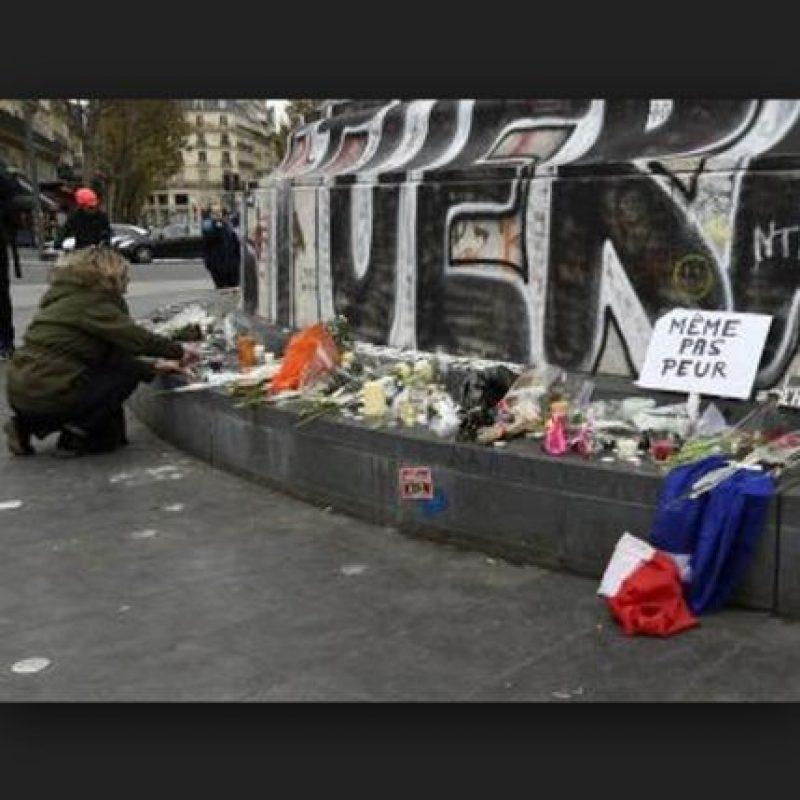 Después de los hechos, las muestras de apoyo y cariño con las víctimas fueron evidente. Foto:AP