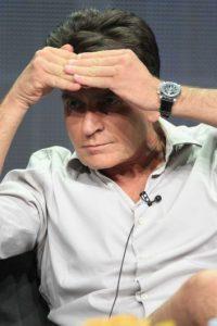 Al parecer, una celebridad de la talla de Sheen necesita un especialista que también tenga experiencia en Hollywood. Foto:Getty Images