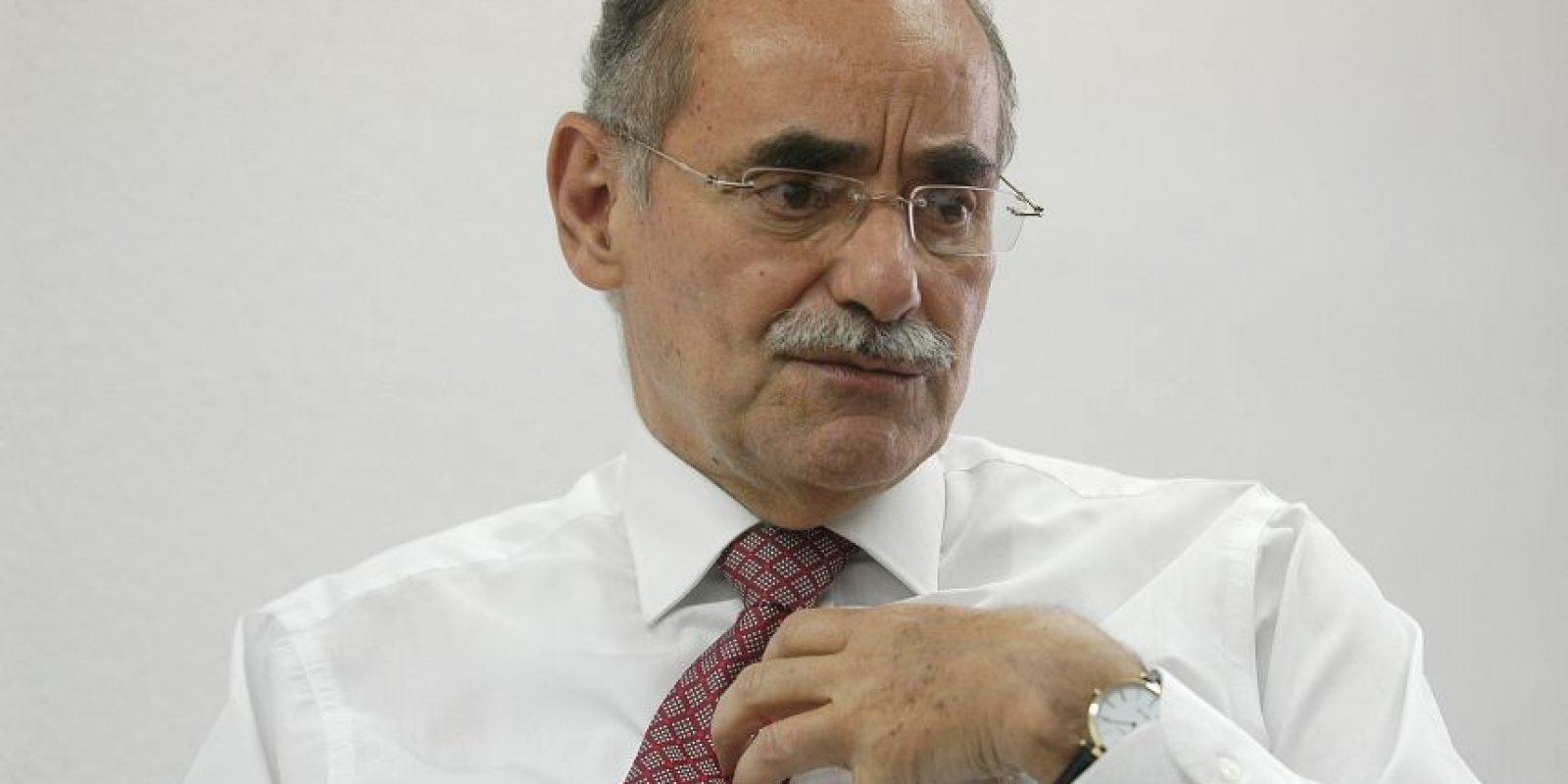 Horacio Serpa tuvo como su marca más reconocida el bigote durante muchos años Foto:EFE