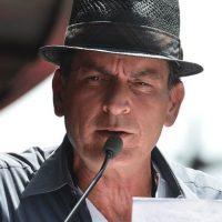 El actor elaboró contratos de confidencialidad para mantener en secreto su situación. Foto:Getty Images