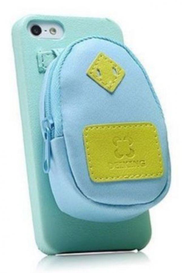 Con una pequeña mochila. Foto:vía Pinterest.com