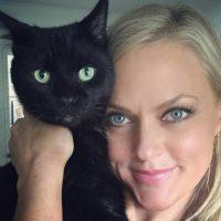 """En 2012 fundó la organización """"Pet Matchmaker"""". Foto:vía Facebook/Elaine Hendrix"""