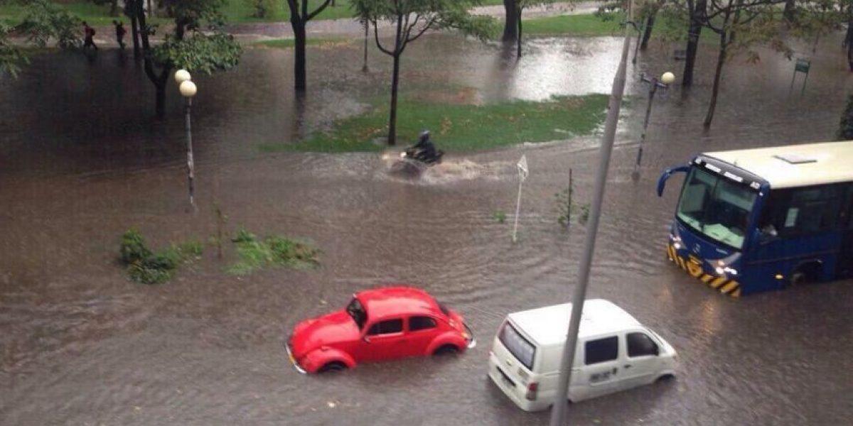 Fotos: Caos en el norte de Bogotá por desborde del caño del Virrey
