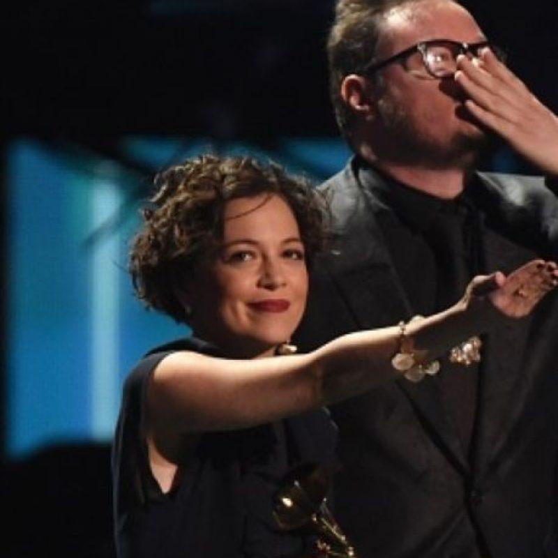 Ganó por Canción del Año, Grabación del Año y Mejor Álbum de Música Alternativa. Foto:vía Getty Images