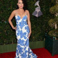 Con otro cuello, y en otro cuerpo, este vestido azulejo podría haber sido más favorecedor. Y el peinado tampoco le ayuda a Raquel Sofía. Foto:vía Getty Images