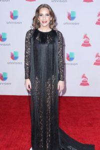María Toledo se disfrazó de Morticia Addams… pero con flecos. Foto:vía Getty Images