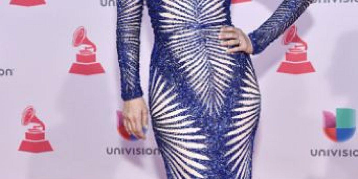 Fotos: Los vestidos de Jacqueline Bracamontes que impactaron en los Latin Grammy 2015