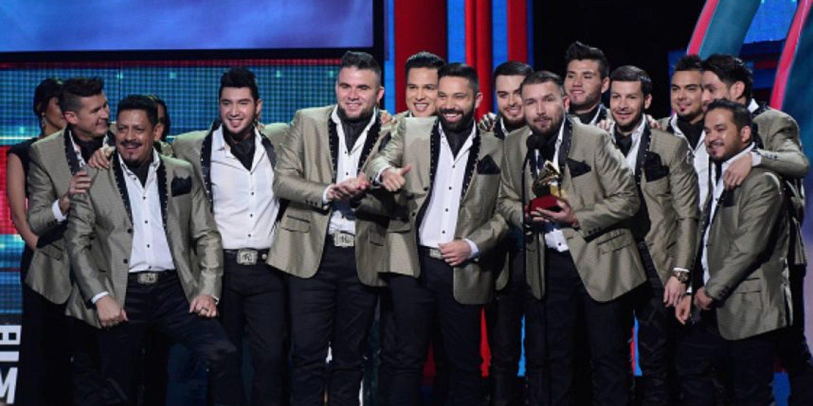 Toda la banda El Recodo. ¿Poliéster? ¿En serio? Foto:vía Getty Images