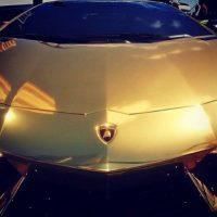 Y este, es uno de sus autos. Foto:Vía Instagram/@hellyluv