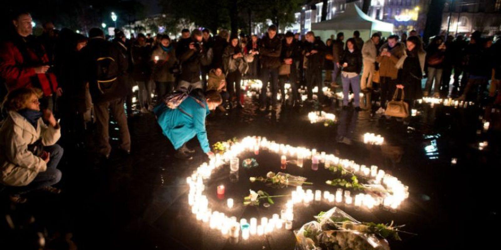 La gente lucha por encontrar la paz. Foto:AFP