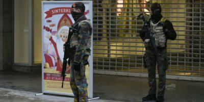 Soldados belgas montan guardia en ciertas partes de Bruselas Foto:AFP