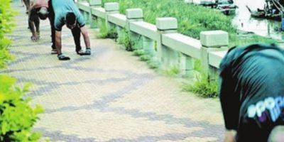 """Incluso, en China tienen el Récord Guiness en velocidad caminando en """"cuatro patas"""". Foto:Vía ChinaNews"""
