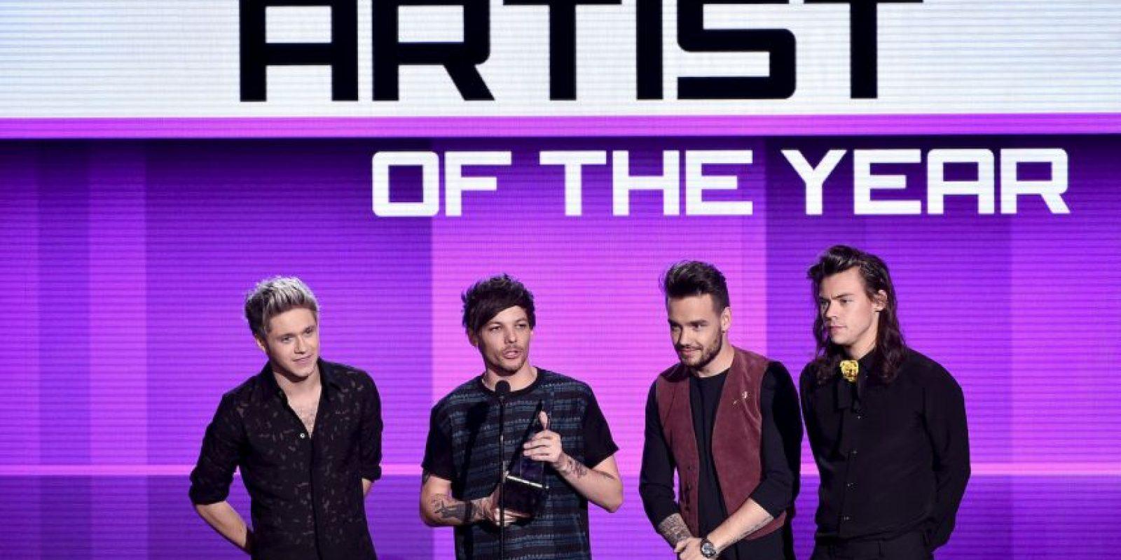 """La agrupación británica se impuso ante la cantante Taylor Swift en la categoría """"Artista del Año"""". Foto:Getty Images"""