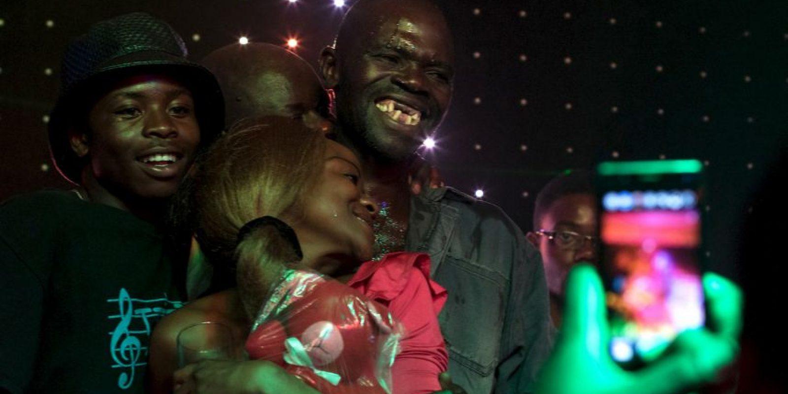 """""""¿Acaso debemos perder nuestros dientes para ganar? Esto es trampa"""", alegó otro concursante. Foto:AFP"""