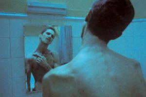 El actor se sometió a una dieta que consistía en consumir una manzana, una taza de café y un poco de atún al día. Foto:IMDB