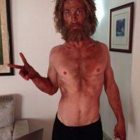 El actor perdió hasta 700 calorías al día para conseguir esta figura. Foto:vía instagram.com/chrishemsworth