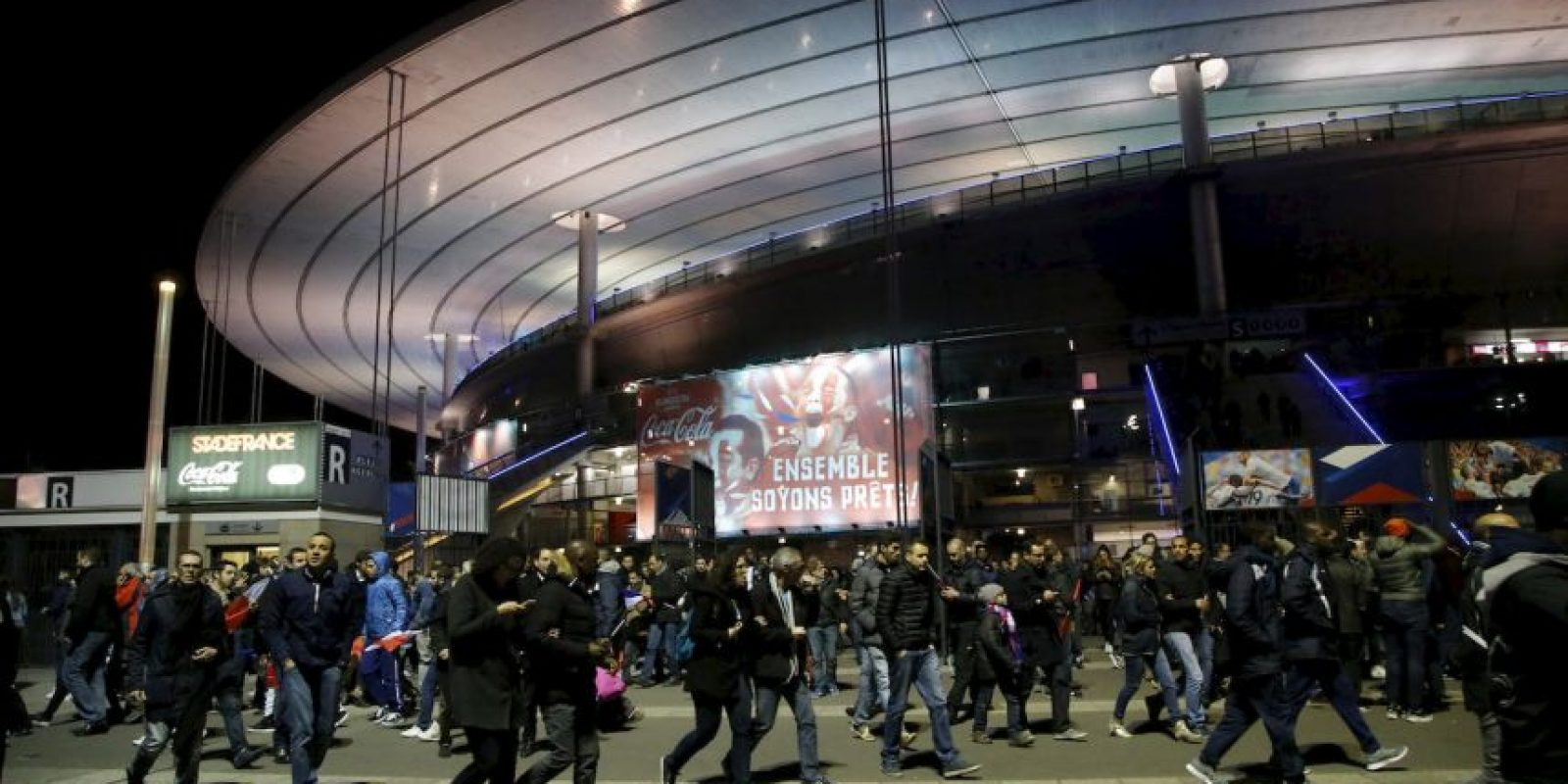 1. Evitar lugares concurridos, como conciertos y centros comerciales. Foto:AP