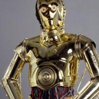 """El androide de protocolo los podrá guiar durante su trayecto hasta el 31 de diciembre como parte de la promoción de """"Star Wars: Episode VII – The Force Awakens"""". Foto:Walt Disney Pictures"""