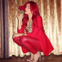 """La cantante de música pop Helly Luv ha provocado la ira del Estado Islámico en su intento por conseguir apoyo mundial a la causa kurda mediante sus canciones y vídeos """"revolucionarios"""". Foto:Vía Instagram/@hellyluv"""