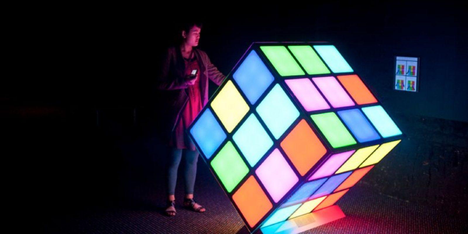 Un arquitecto húngaro, que quería un modelo de trabajo para ayudar a explicar la geometría tridimensional. Foto:Vía Flickr