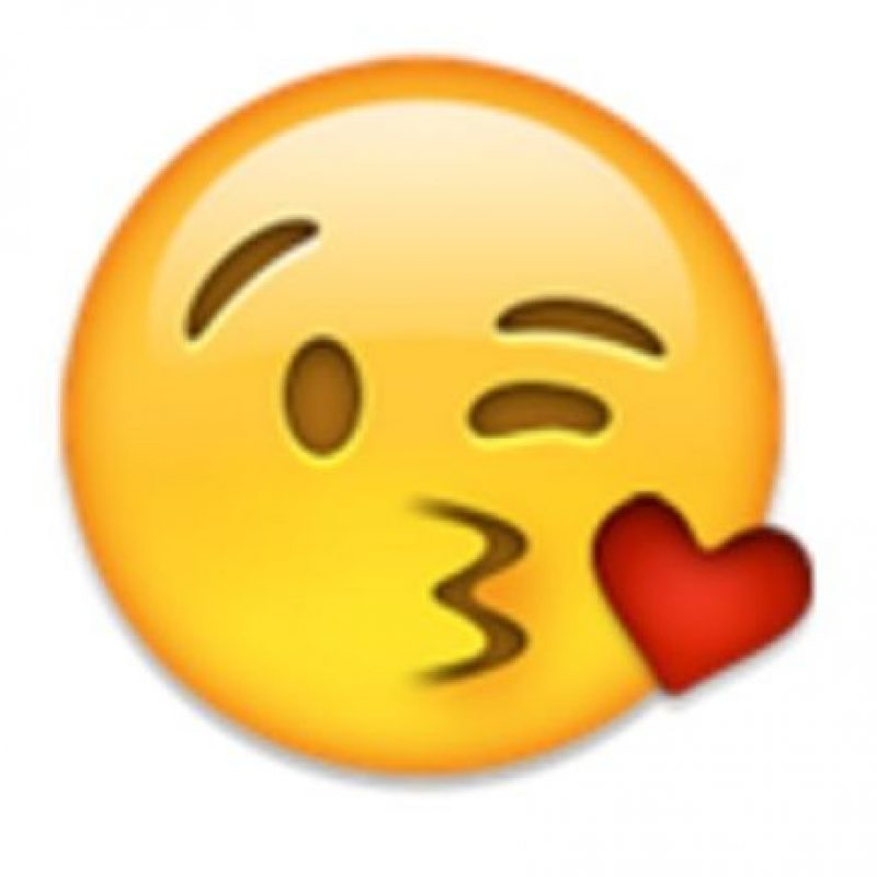 Rostro mandando un beso de corazón. Foto:vía emojipedia.org