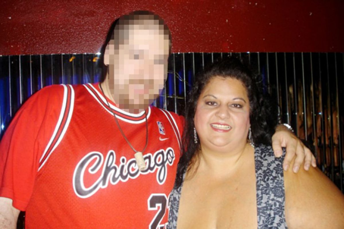 Su novio la incitaba a comer más (eso a pesar de que no la quería al comienzo) y embarraba la comida en su vientre. Llegó a consumir 13 mil kilocalorías diarias. Foto:vía Barcroft Media