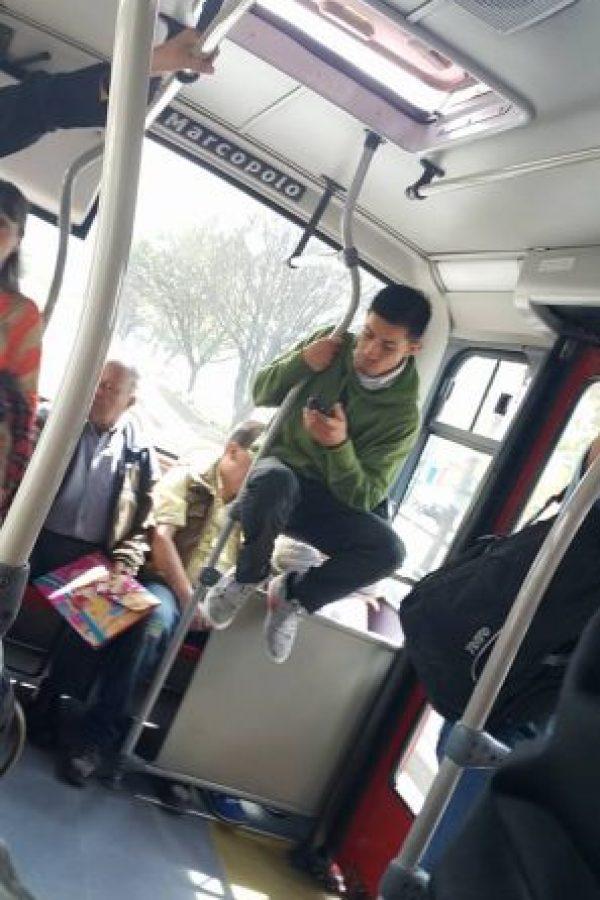 Como no hay más sillas… Foto:Transmileniada Fotográficas Facebook