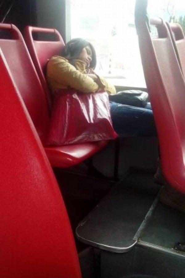 Una siesta Foto:Transmileniada Fotográficas Facebook
