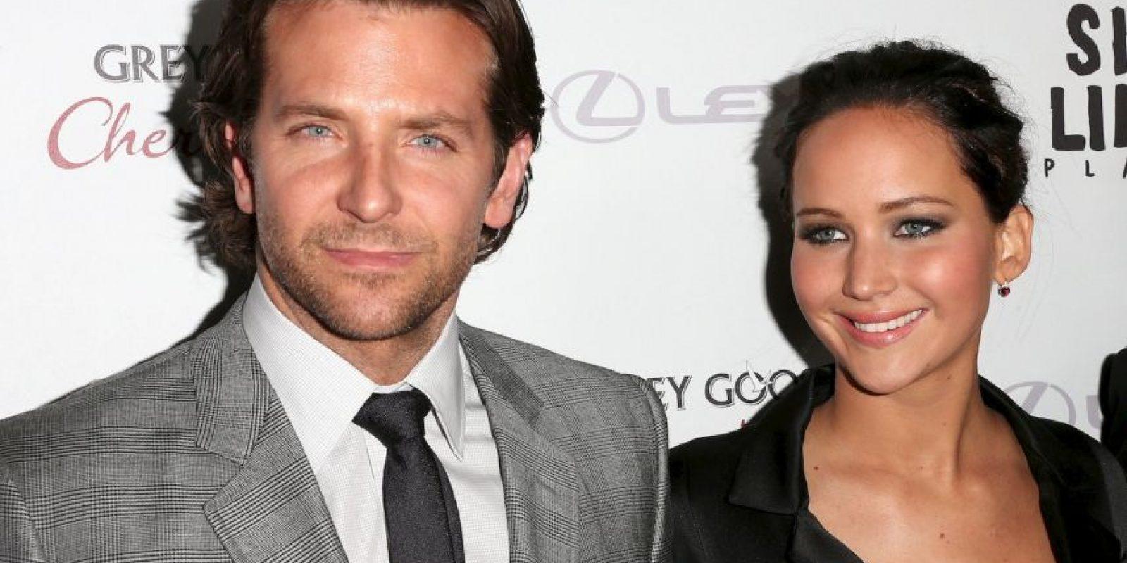 Bradley Cooper tiene 40 años y Jennifer Lawrence 25, pero eso no evitó que él quedara deslumbrado por sus atributos. Foto:Getty Images