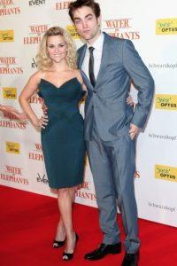 """Robert Pattinson también fue débil ante los """"encantos"""" de Reese Whitherspoon. Foto:Getty Images"""