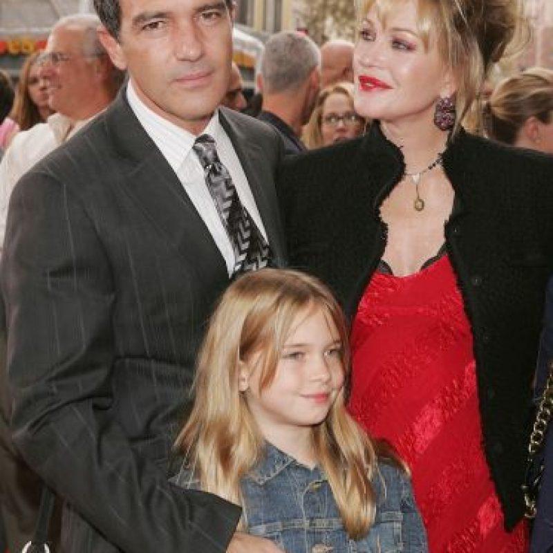 Aunque Banderas confesó que se perdió muchos momentos importantes en la vida de la pequeña. Foto:Getty Images
