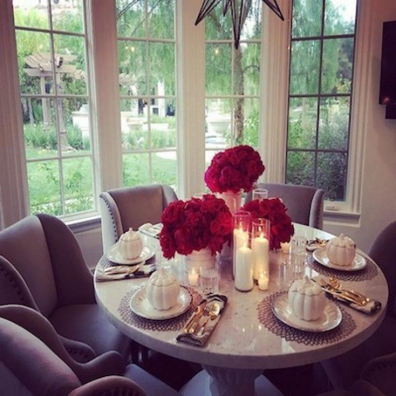 ¿La encargada de la cena? Foto:Instagram/khloekardashian