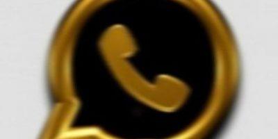 Ofrece una versión exclusiva de la app con supuestas mejoras, pero al activar su número telefónico, reciben mensajes que les cuestan hasta 30 dólares mensuales. Foto:vía Tumblr.com