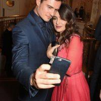Los actores, que son buenos amigos, se retrataron en los British Fashion Awards. Foto:The Grosby Group