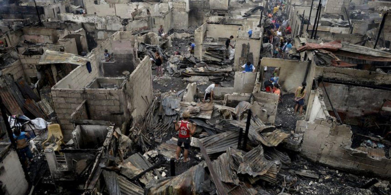 Casas destruidas por un incendio en Manila, Filipinas. Foto:AFP