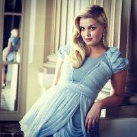 Incluso, con vestidos que recuerdan a Alicia en el País de las Maravillas. Foto:Instagram.com/Kitty.Spencer
