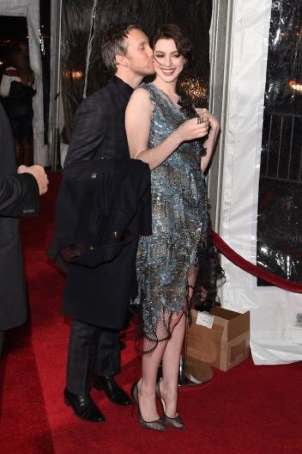 Luego de tres años casados, Hathaway y Adam Shulman serán padres. Foto:Getty Images