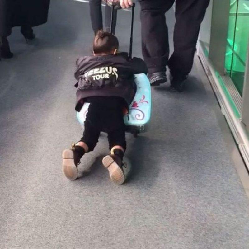 ¿Recuerdan la peculiar forma de viajar de North? Foto:vía instagram.com/kimkardashian